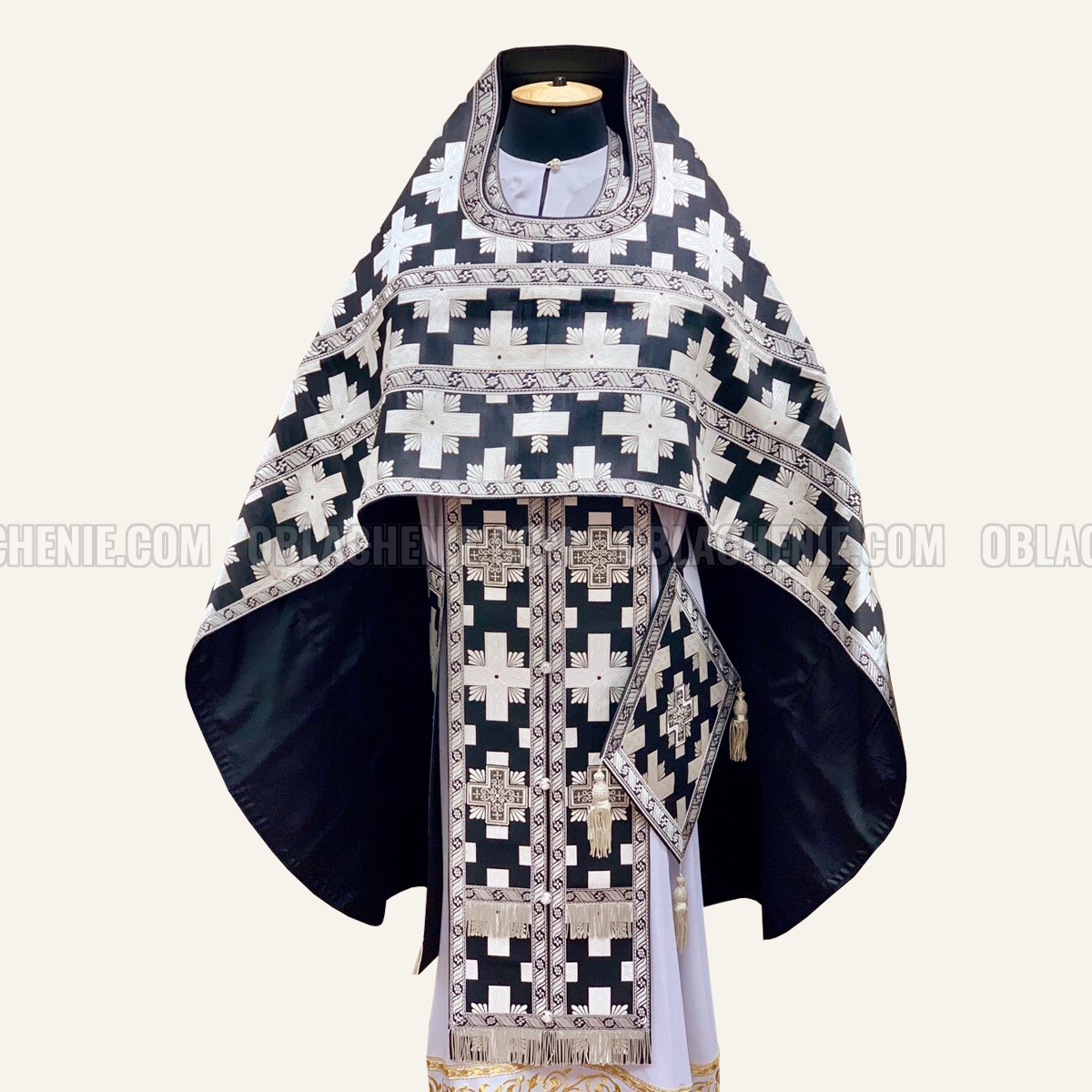 Priest's vestments 10036