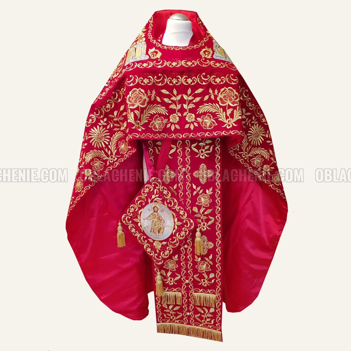Embroidered priest's vestments 10175
