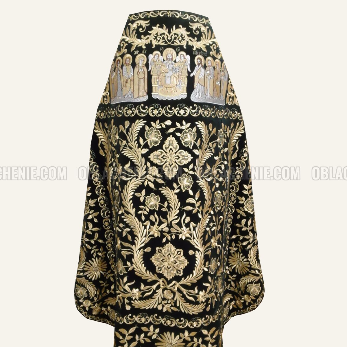 Embroidered priest's vestments 10177