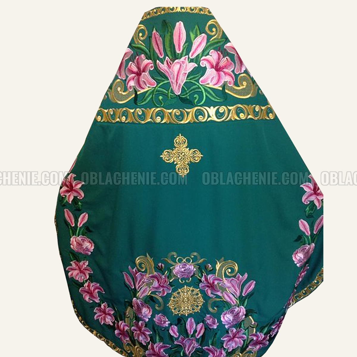 Embroidered priest's vestments 10182