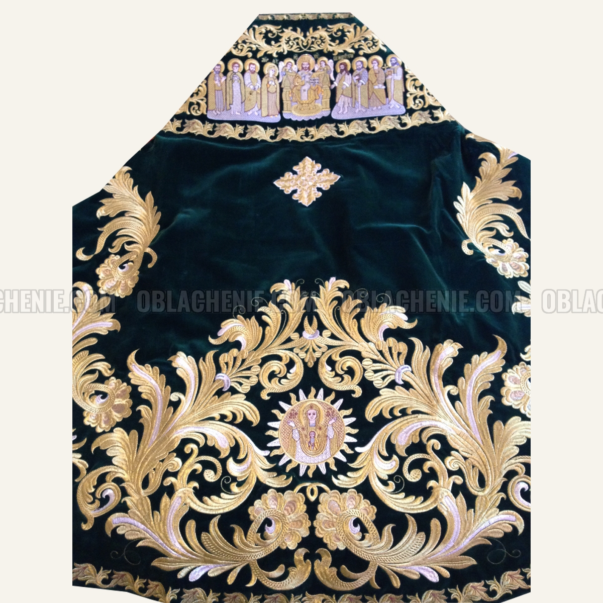 Embroidered priest's vestments 10201