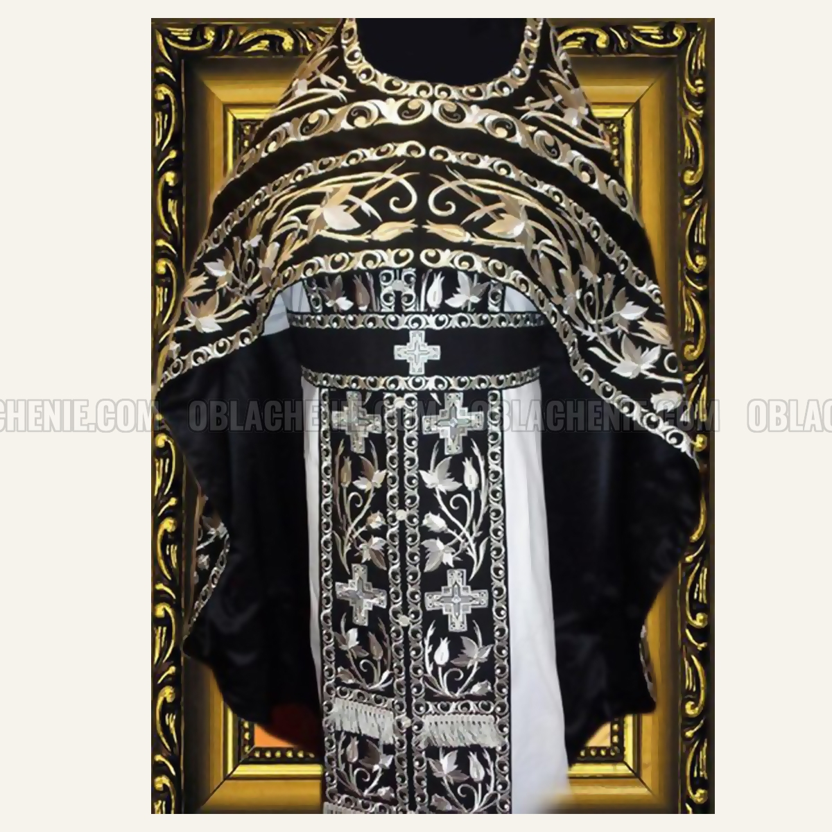 Embroidered priest's vestments 10203