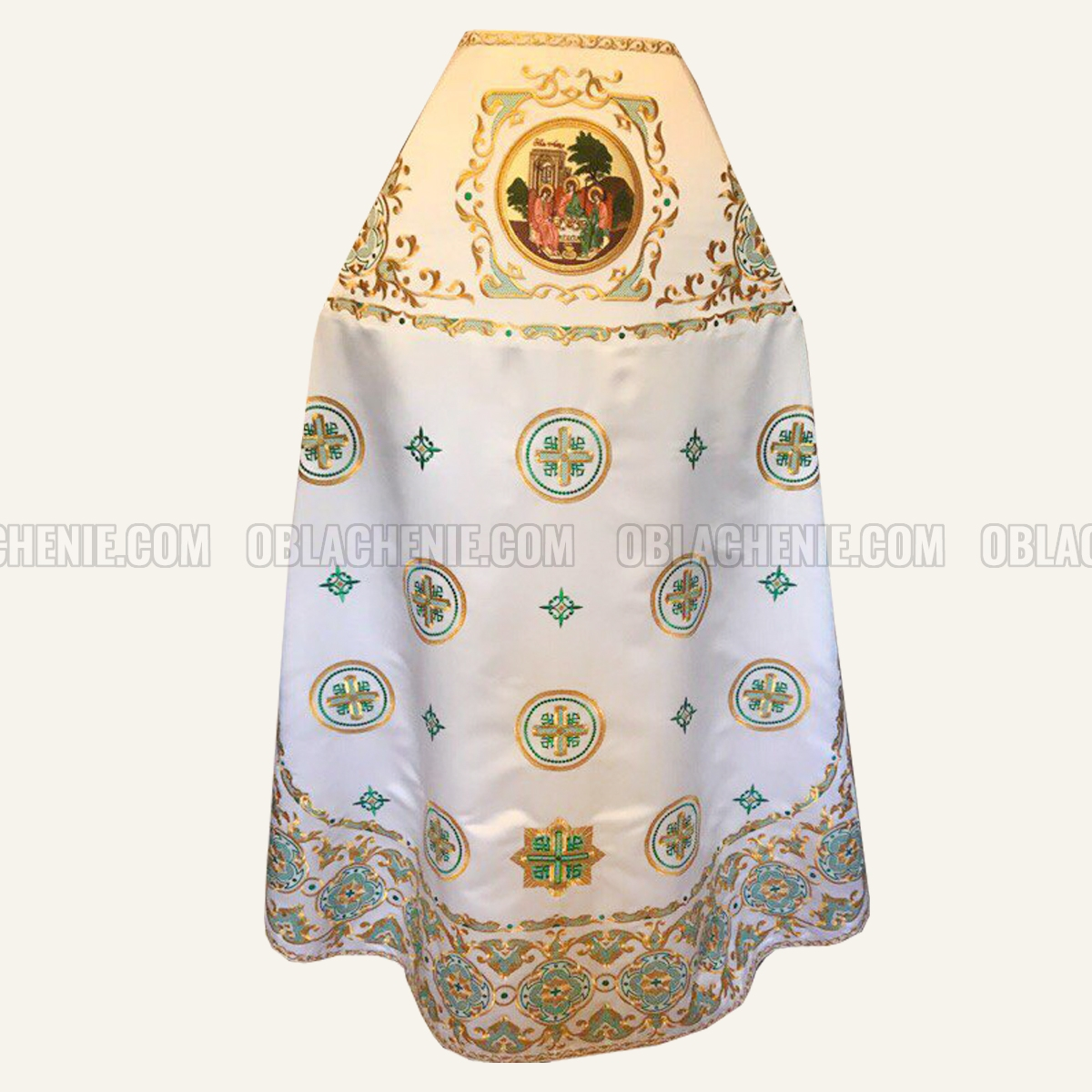Embroidered priest's vestments 10209