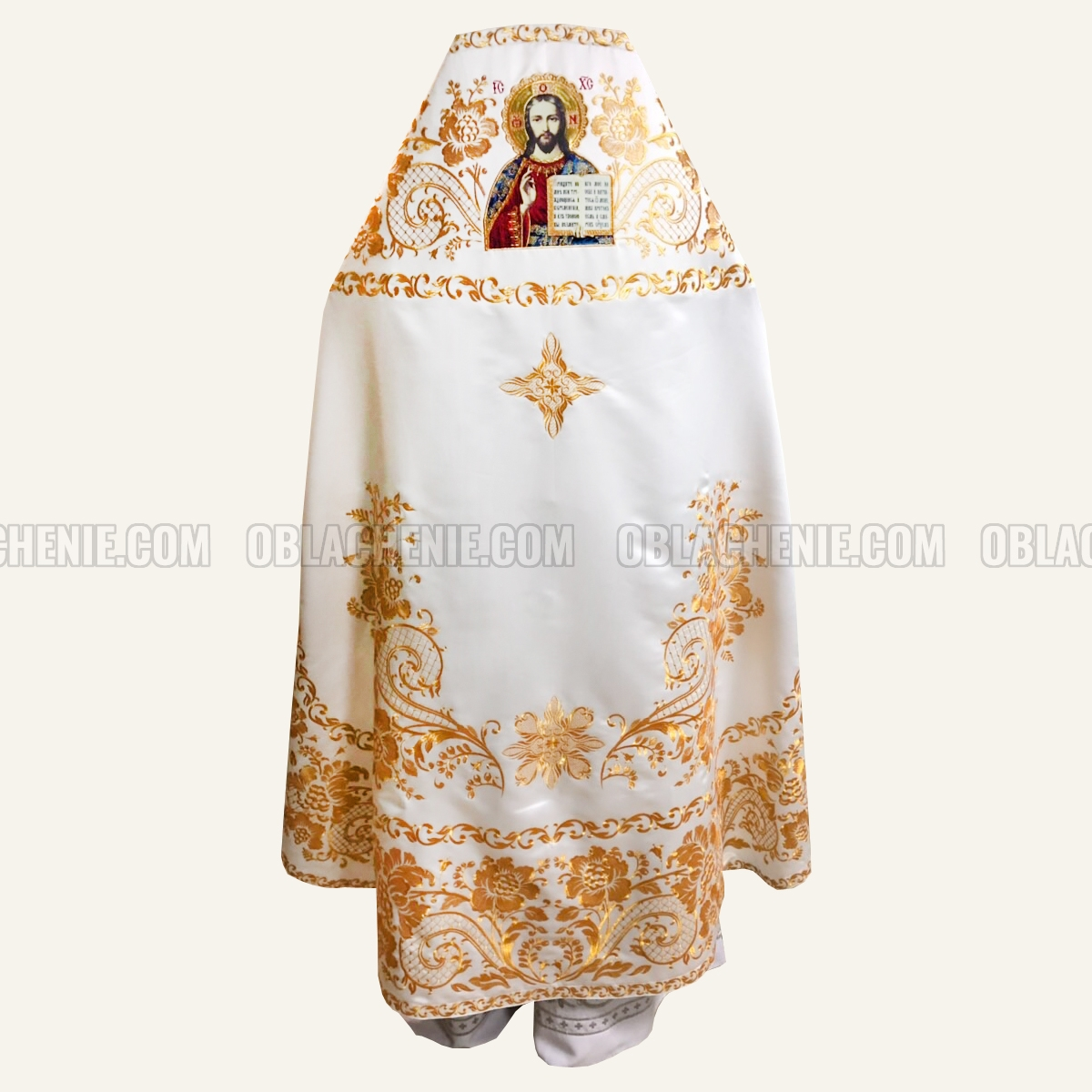 Embroidered priest's vestments 10214