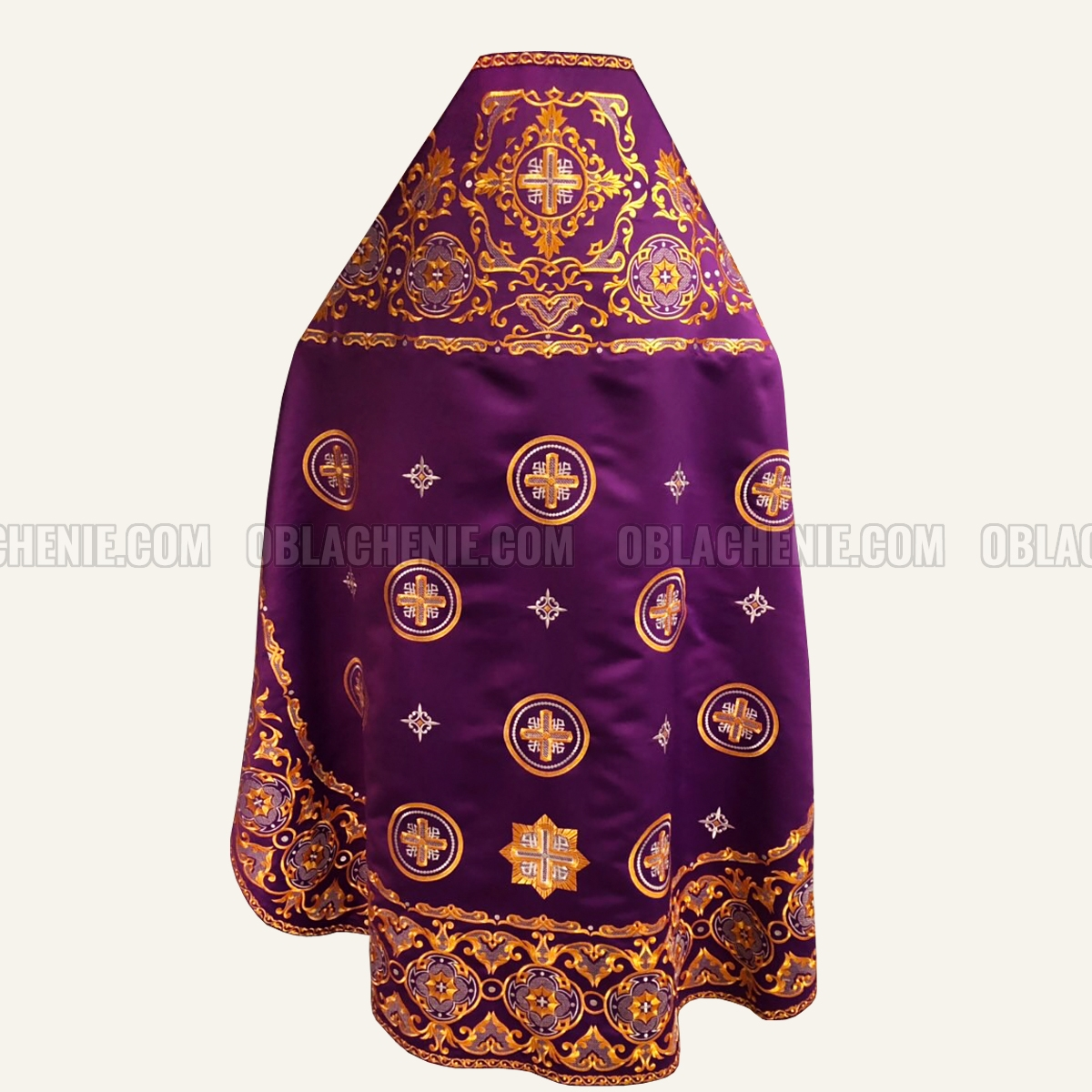 Embroidered priest's vestments 10217