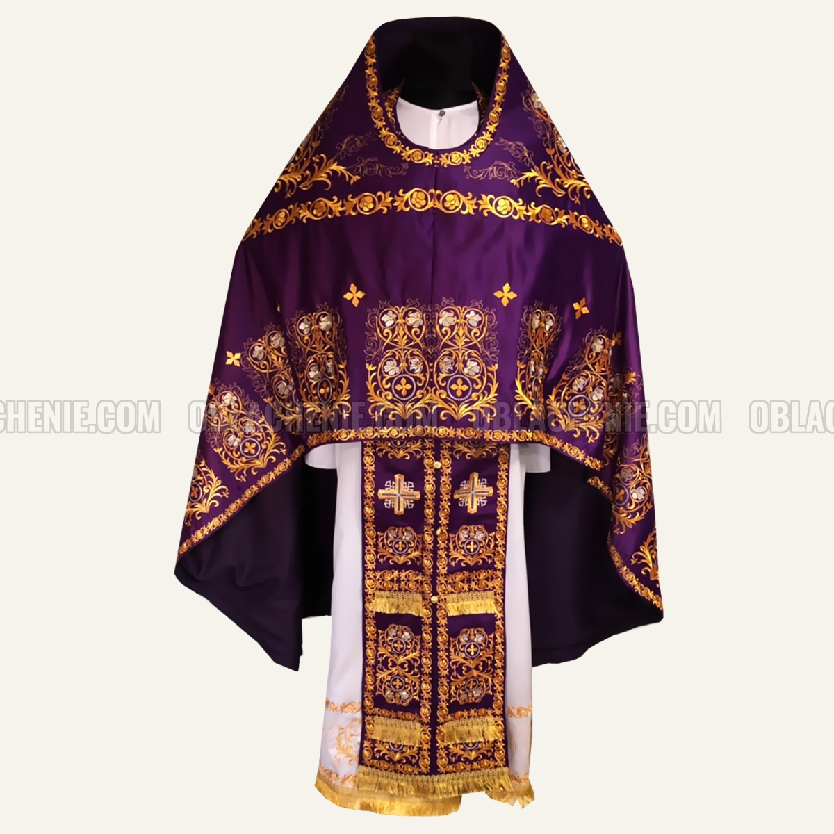 Embroidered priest's vestments 10224