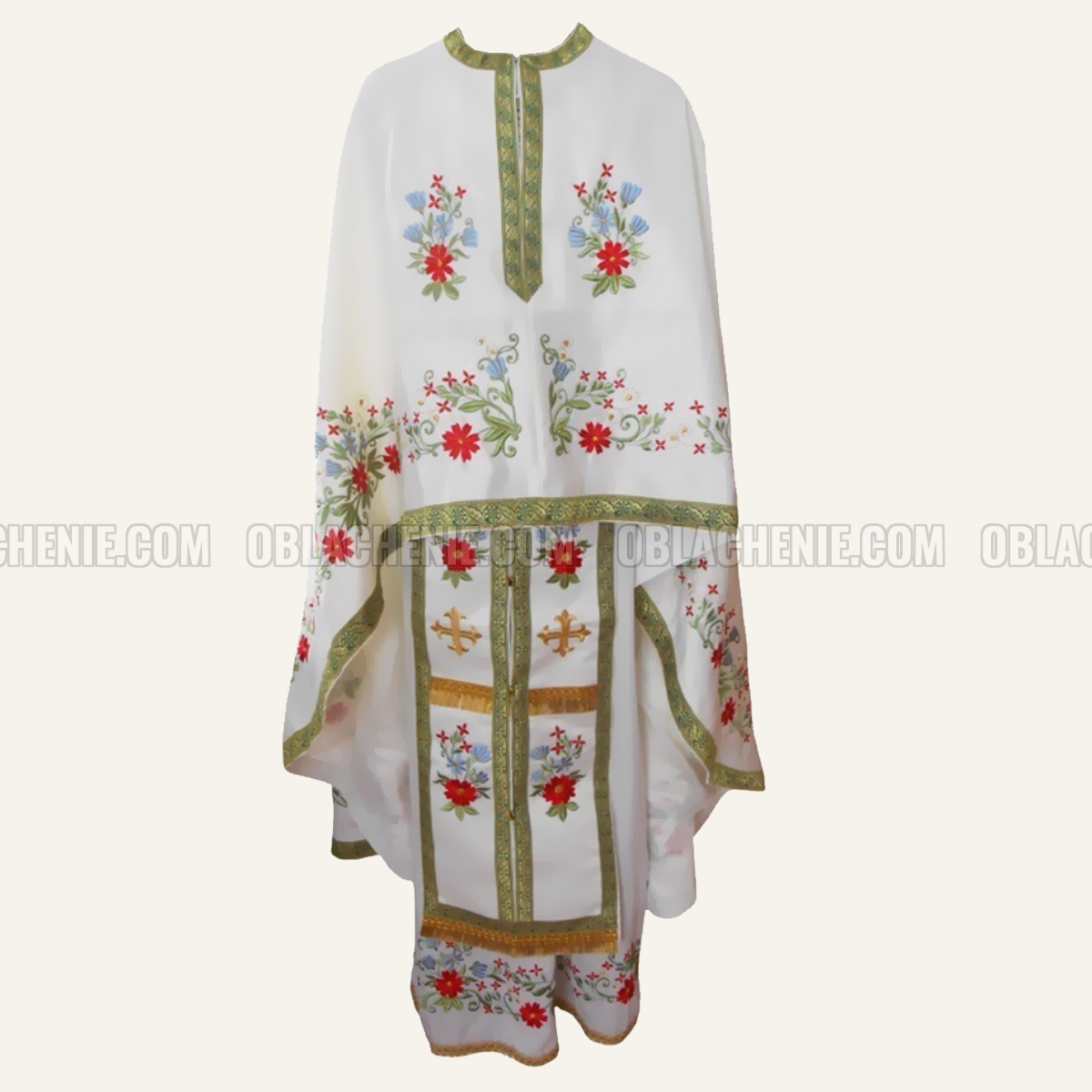 Embroidered priest's vestments 10231
