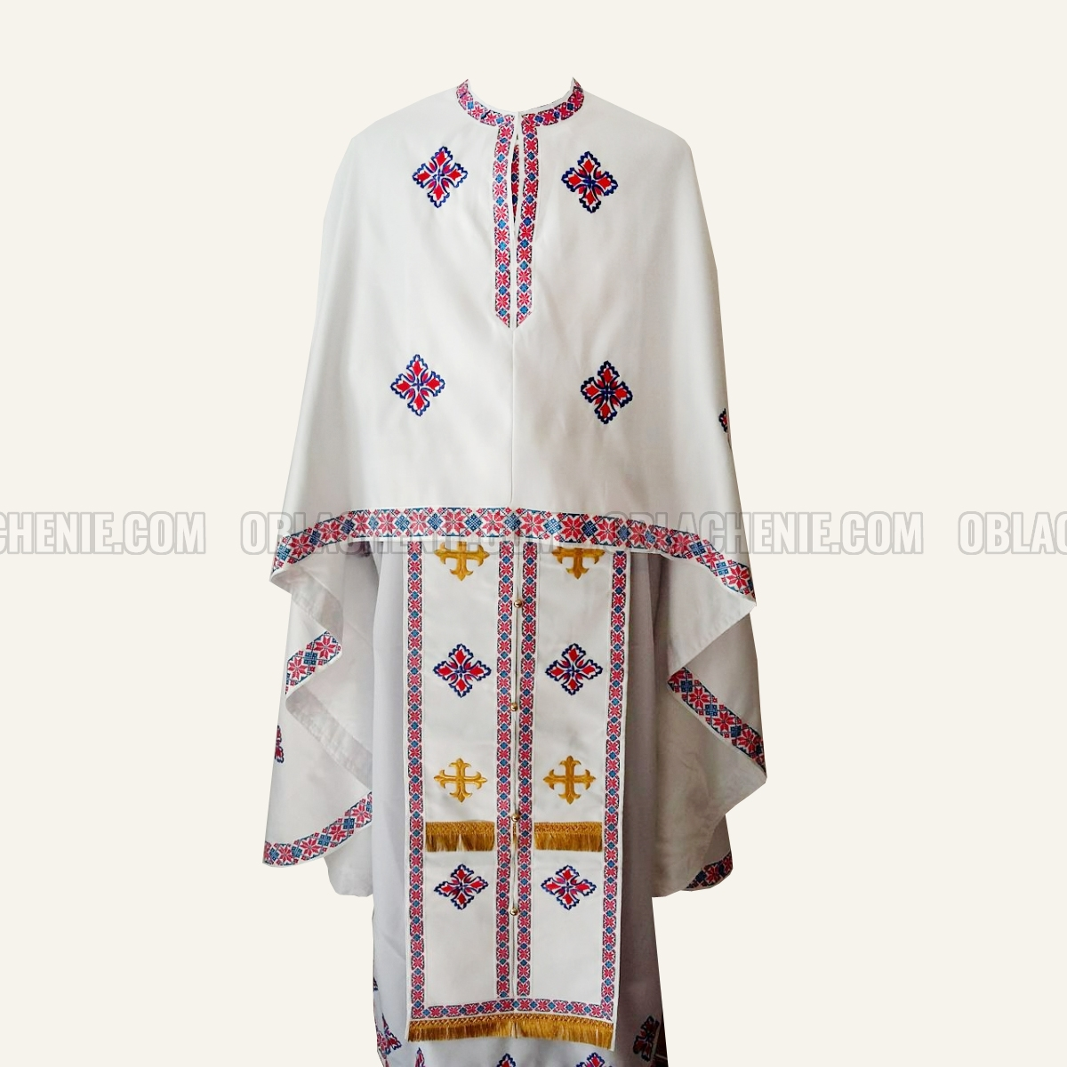 Embroidered priest's vestments 10233