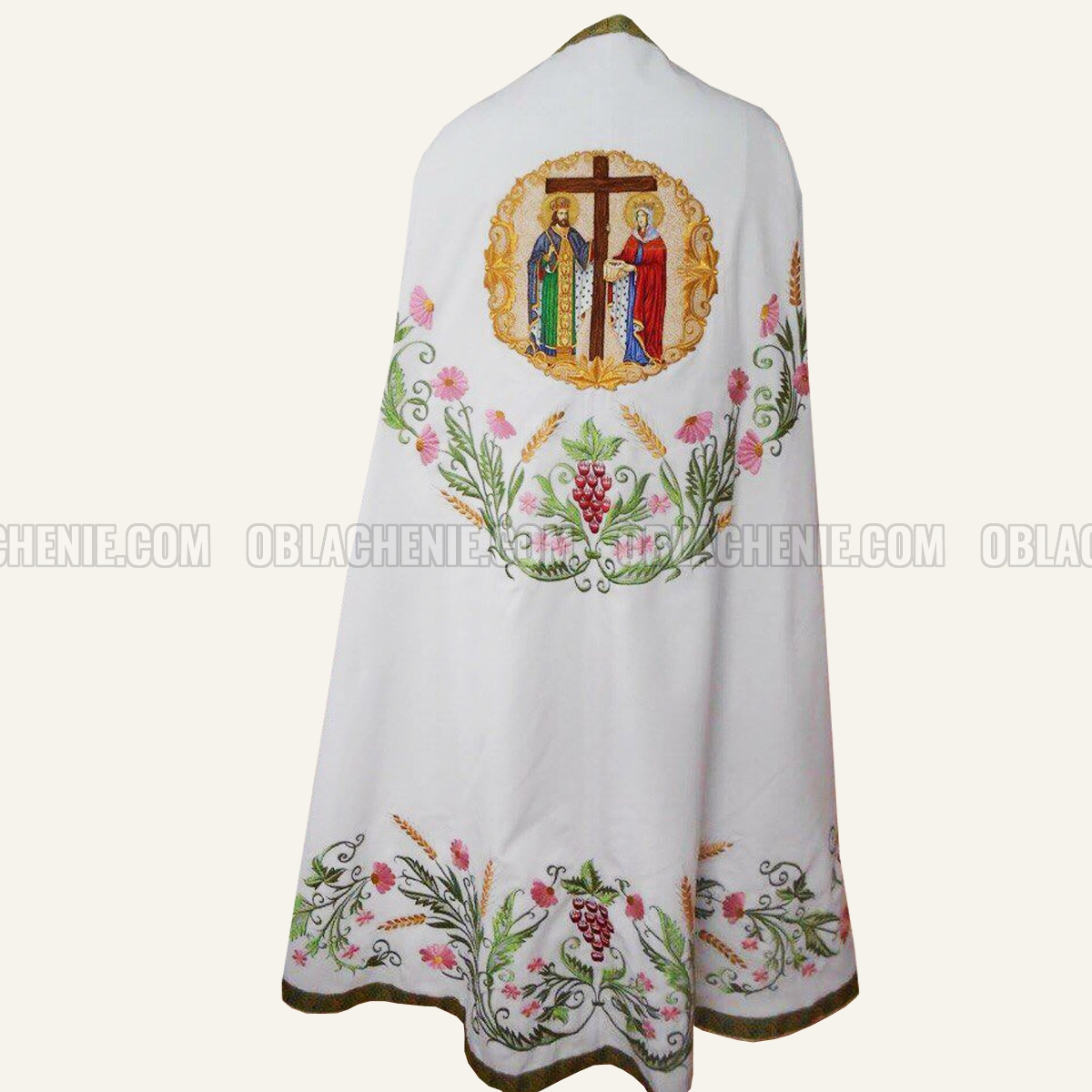 Embroidered priest's vestments 10236