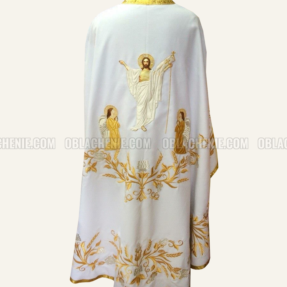 Embroidered priest's vestments 10263