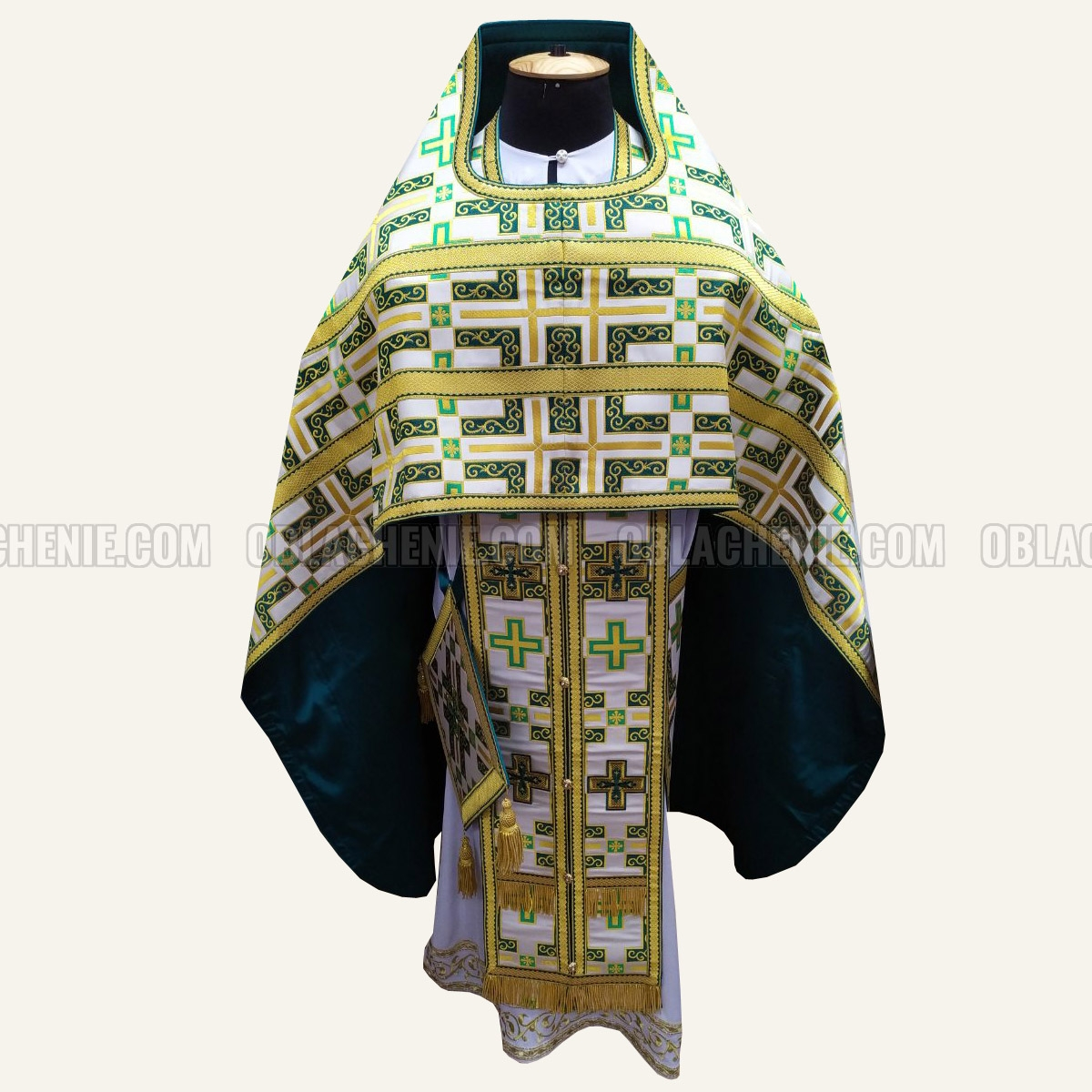 Priest's vestments 10689
