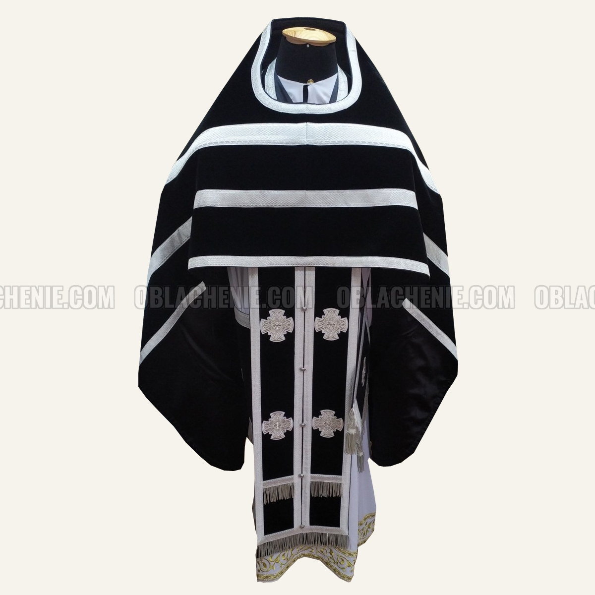 PRIEST'S VESTMENTS 10830