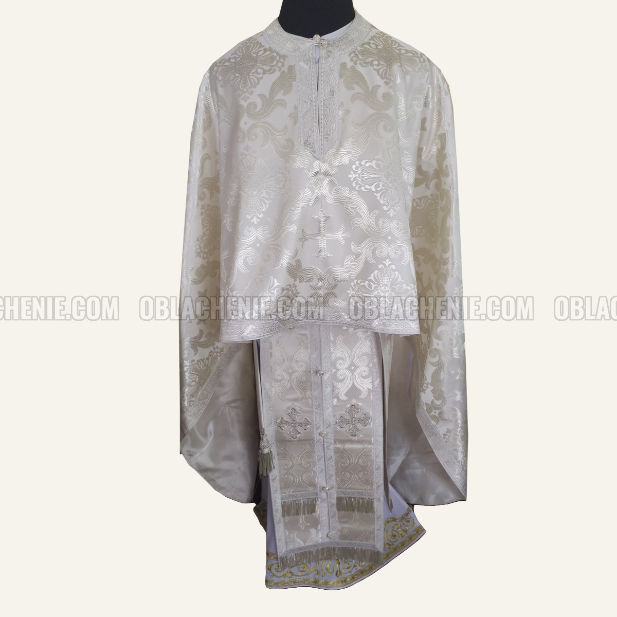 PRIEST'S VESTMENTS 10969