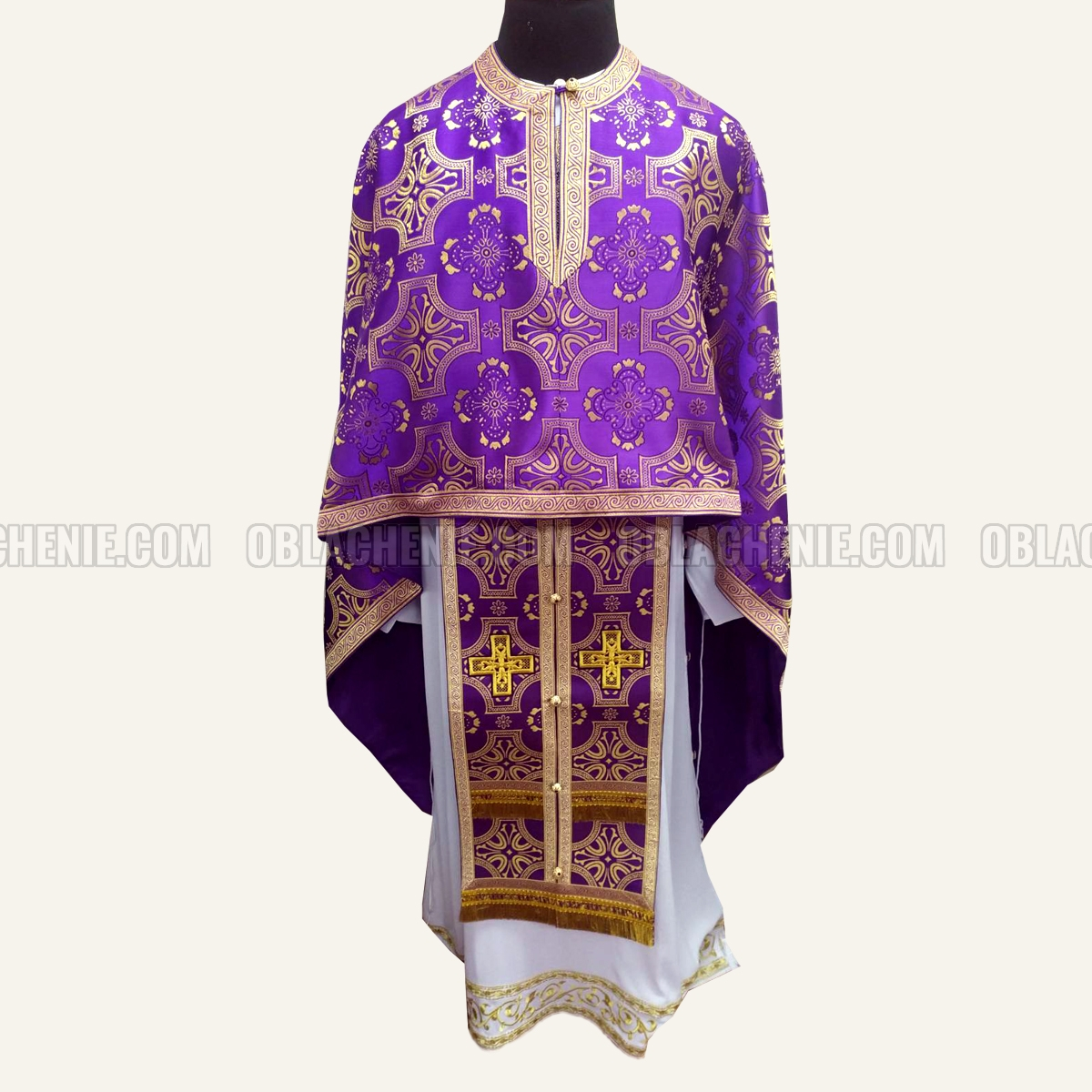 PRIEST'S VESTMENTS 10972