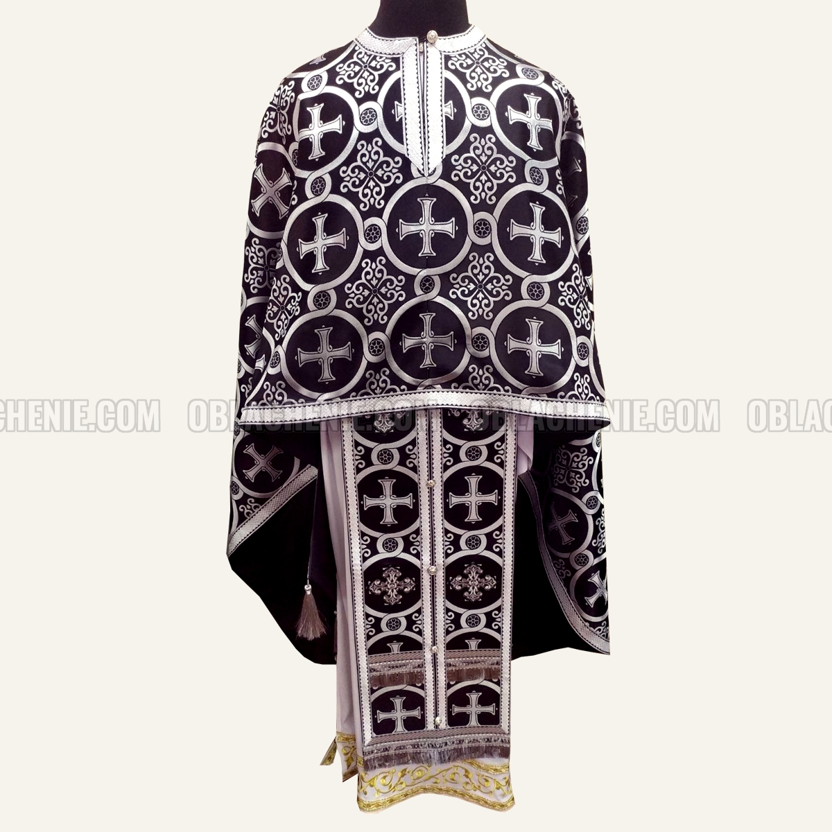 PRIEST'S VESTMENTS 10973