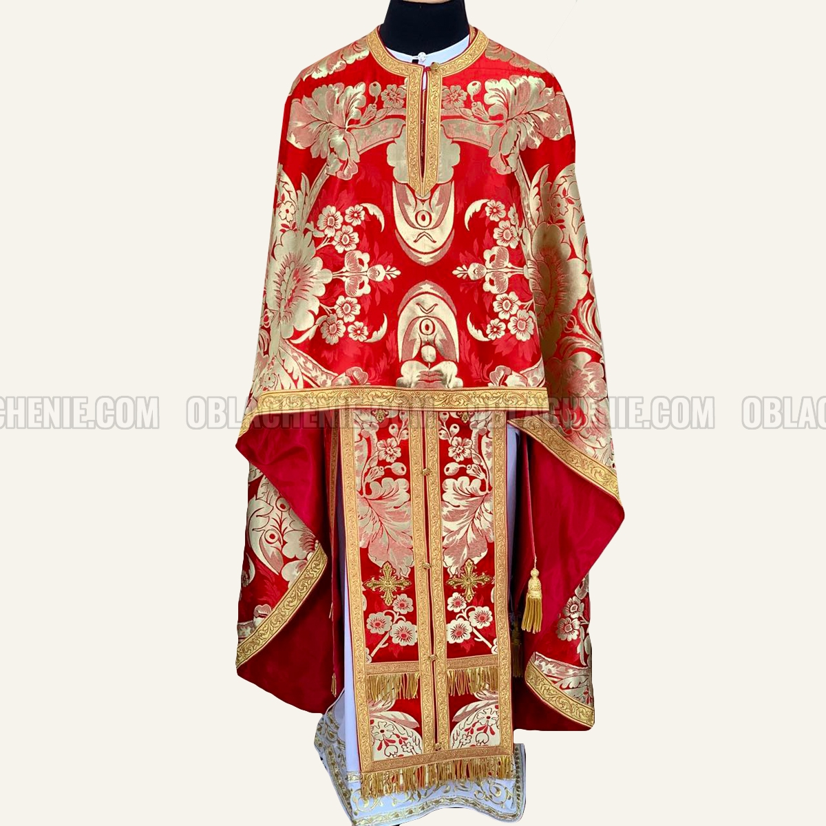 PRIEST'S VESTMENTS 10982