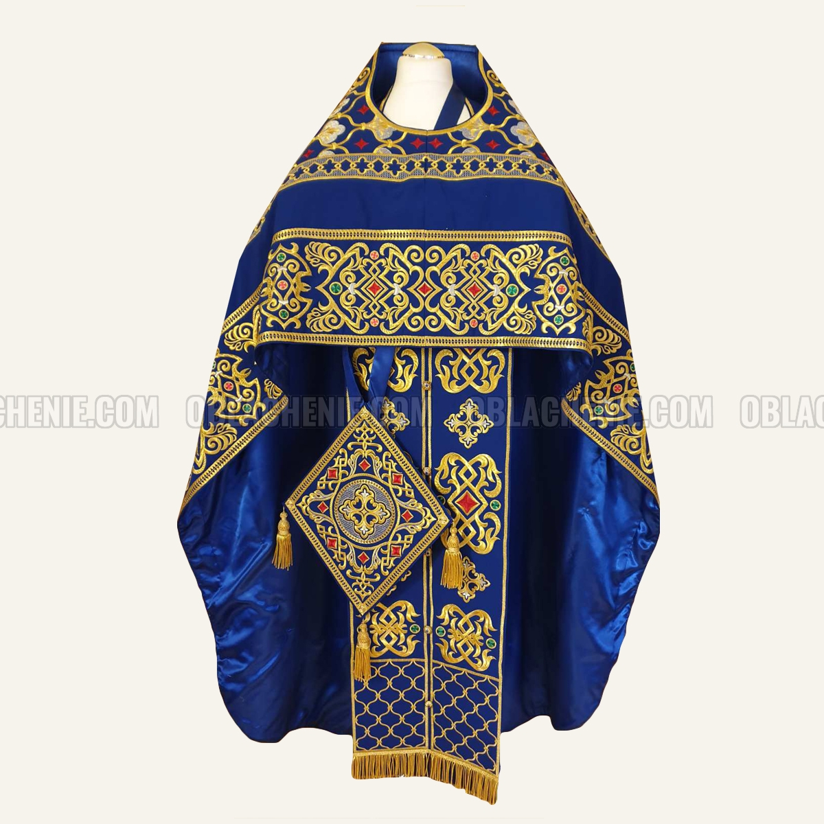 EMBROIDERED PRIEST'S VESTMENTS 10984