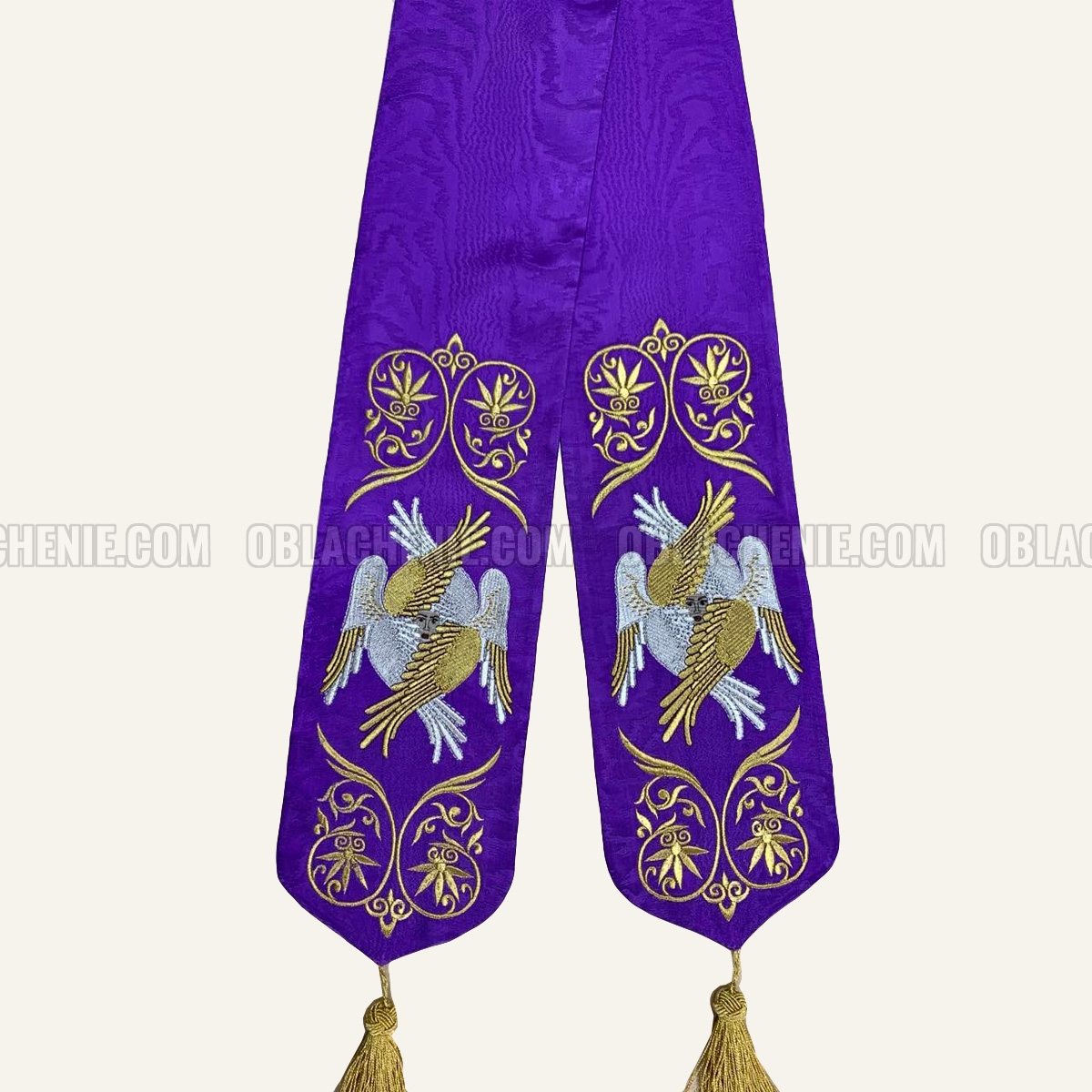 TABLE VESTMENTS 11005