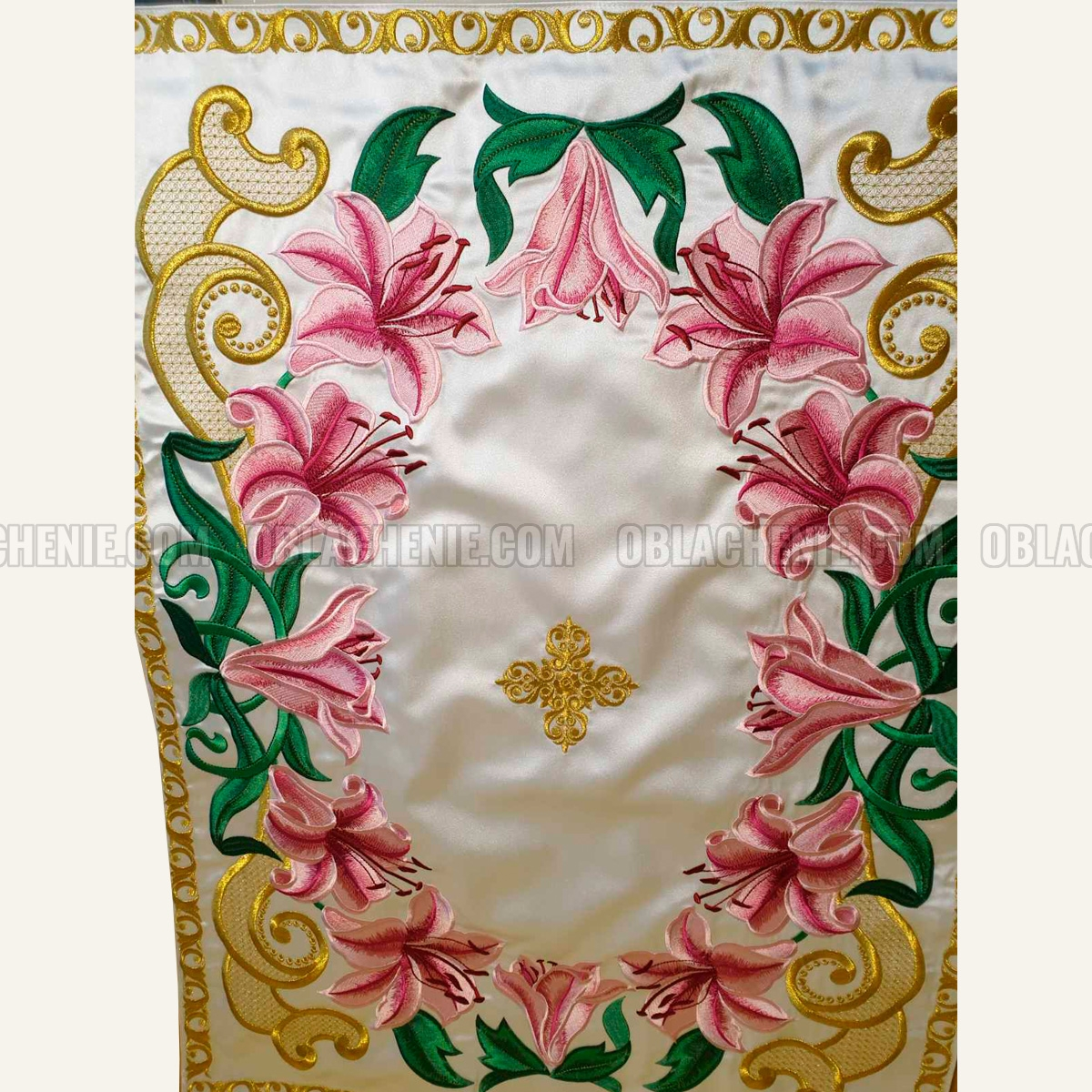TABLE VESTMENTS 11008