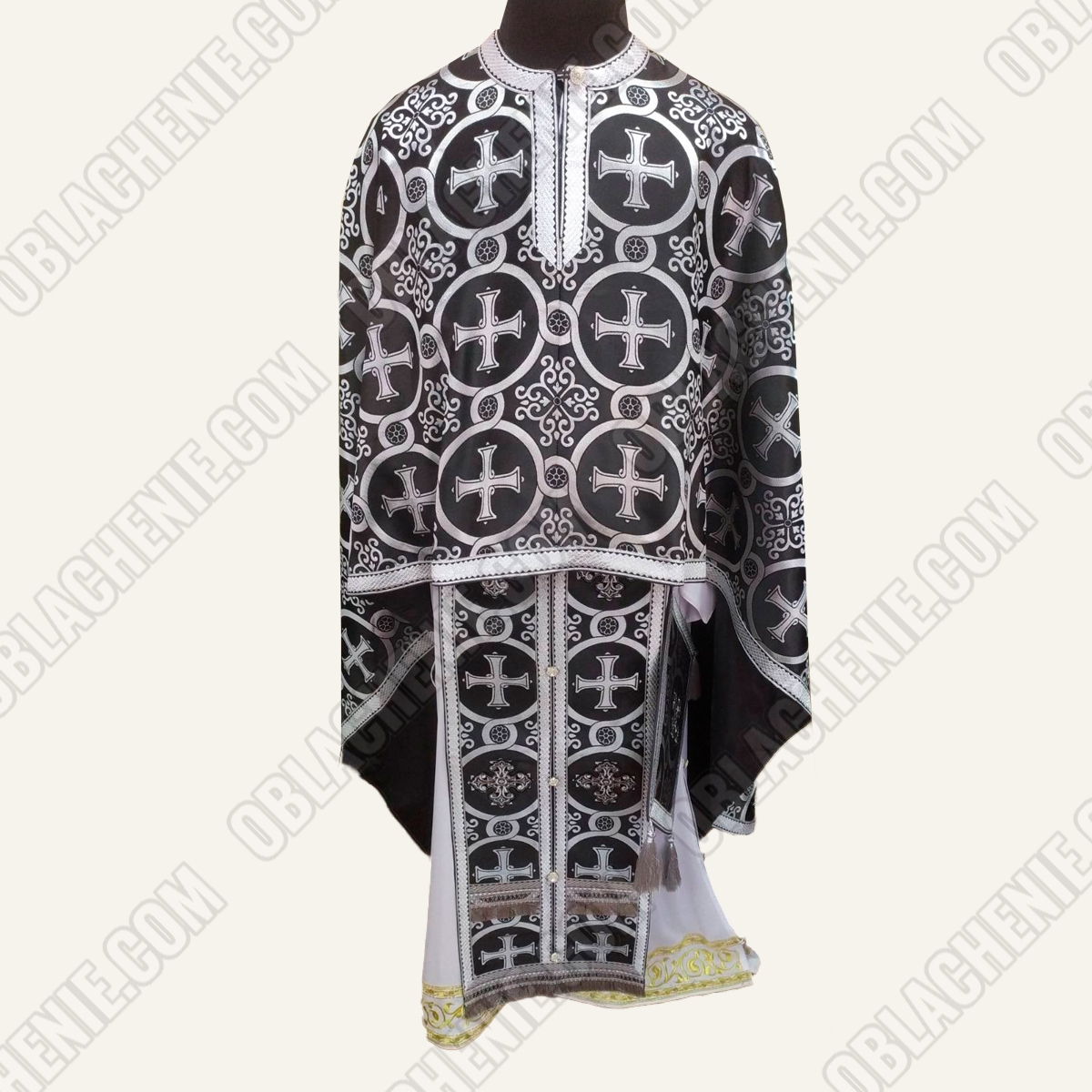 PRIEST'S VESTMENTS 11039
