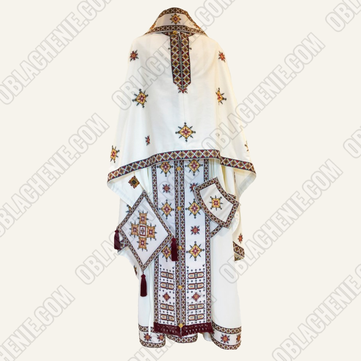 PRIEST'S VESTMENTS 11047