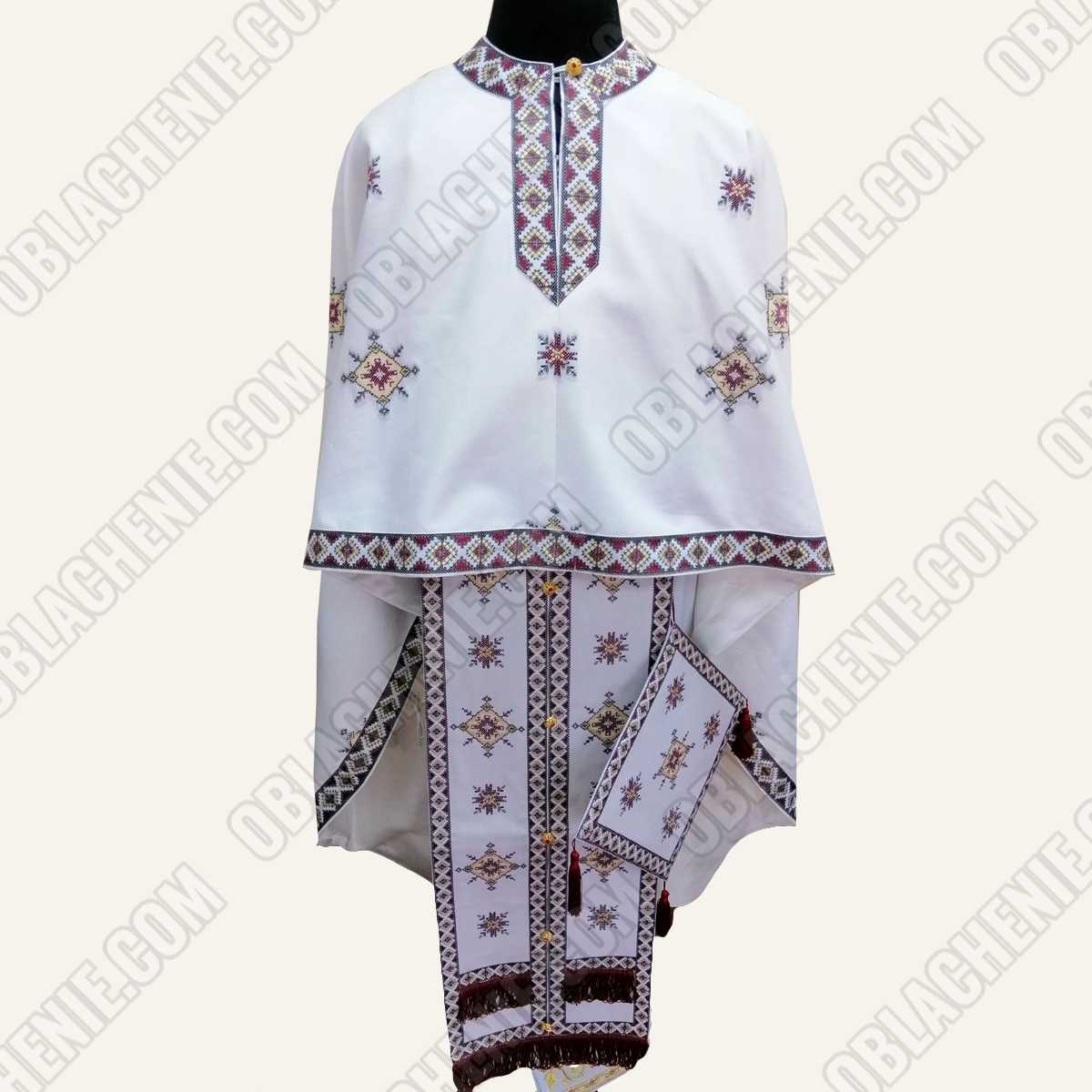 PRIEST'S VESTMENTS 11056