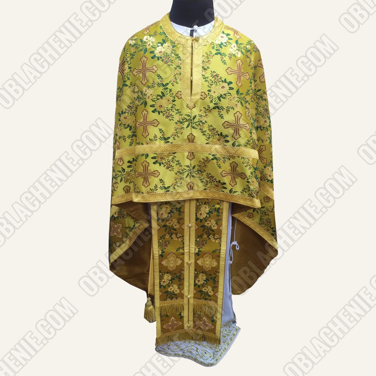 PRIEST'S VESTMENTS 11065