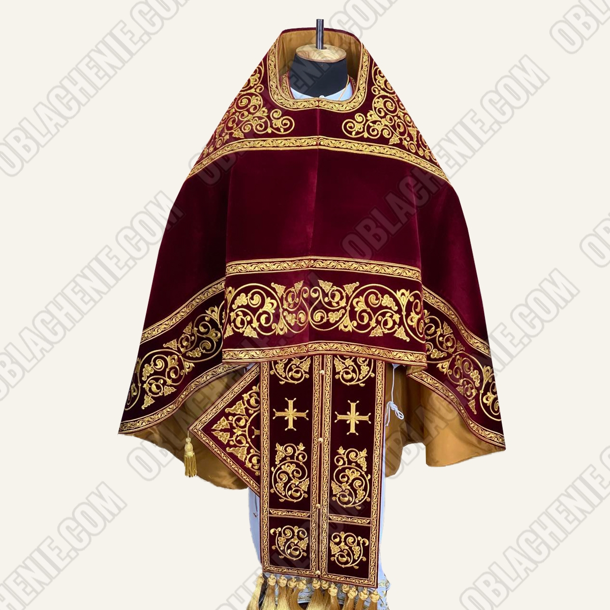 EMBROIDERED PRIEST'S VESTMENTS 11076