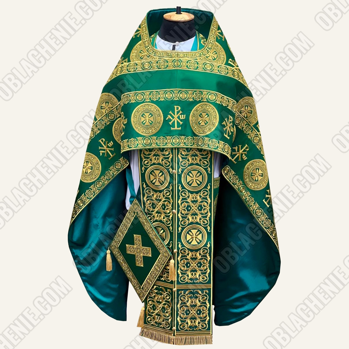 EMBROIDERED PRIEST'S VESTMENTS 11080