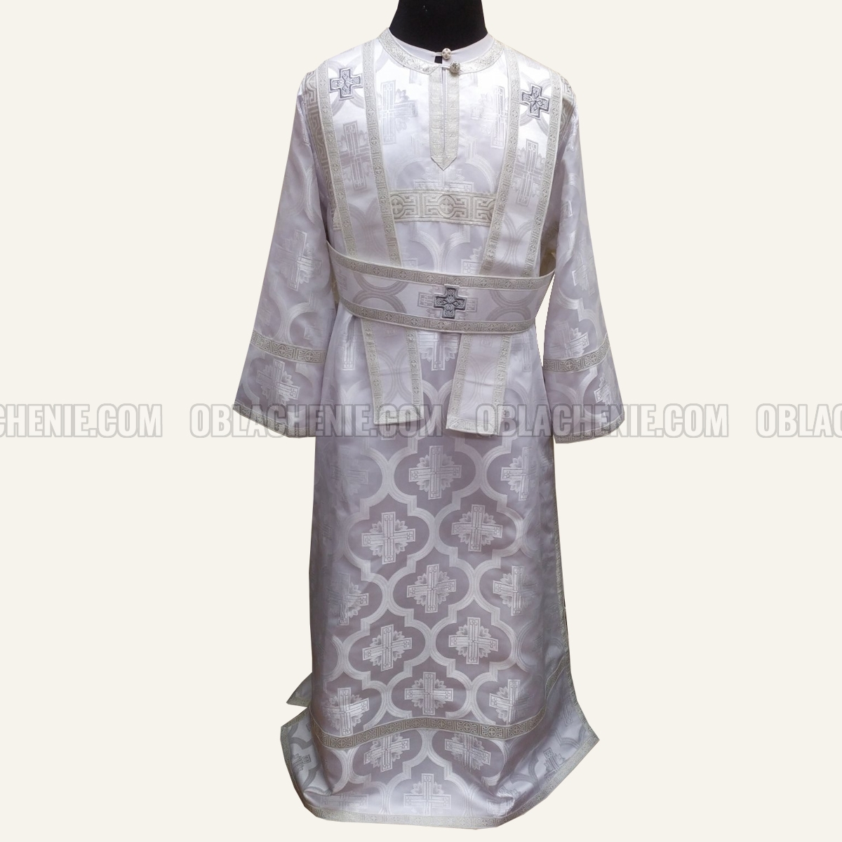 Subdeacon's vestments 11105