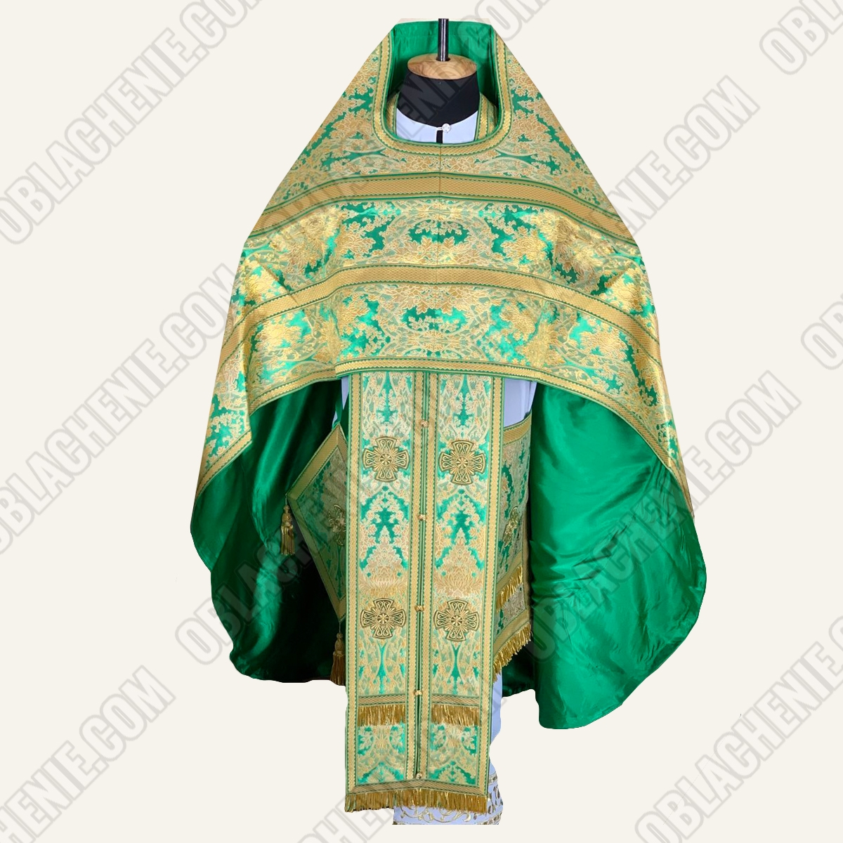 PRIEST'S VESTMENTS 11172