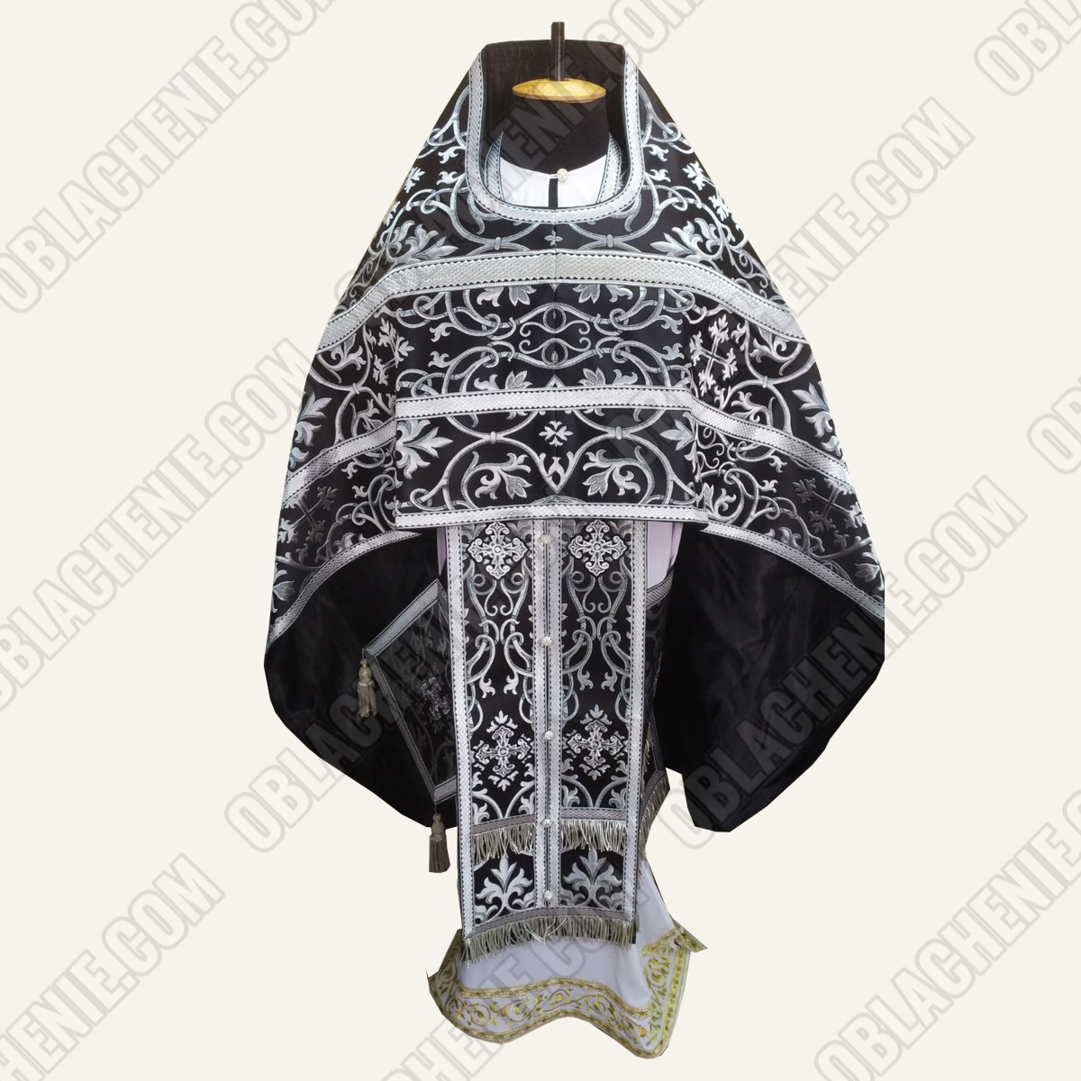 PRIEST'S VESTMENTS 11177