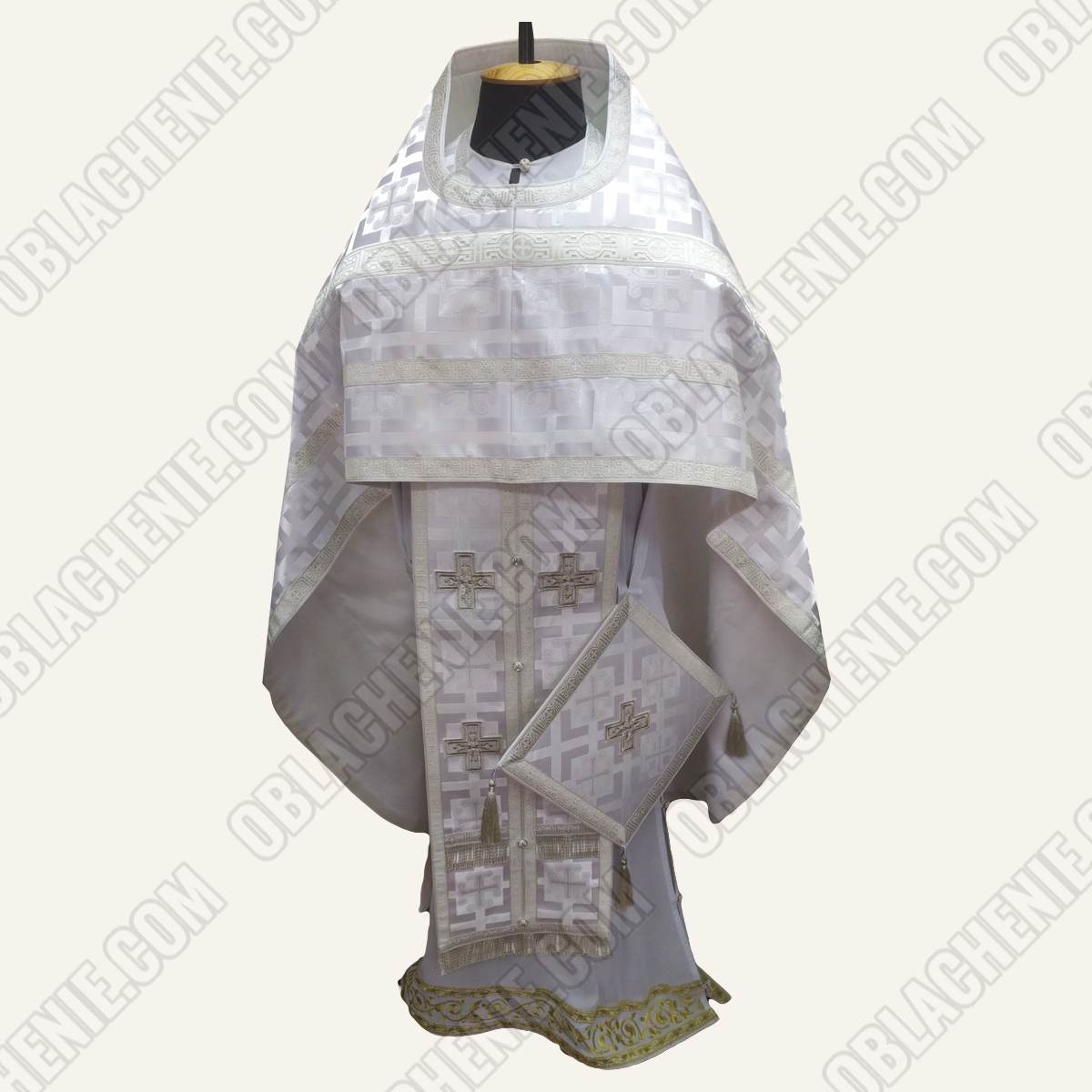 PRIEST'S VESTMENTS 11184