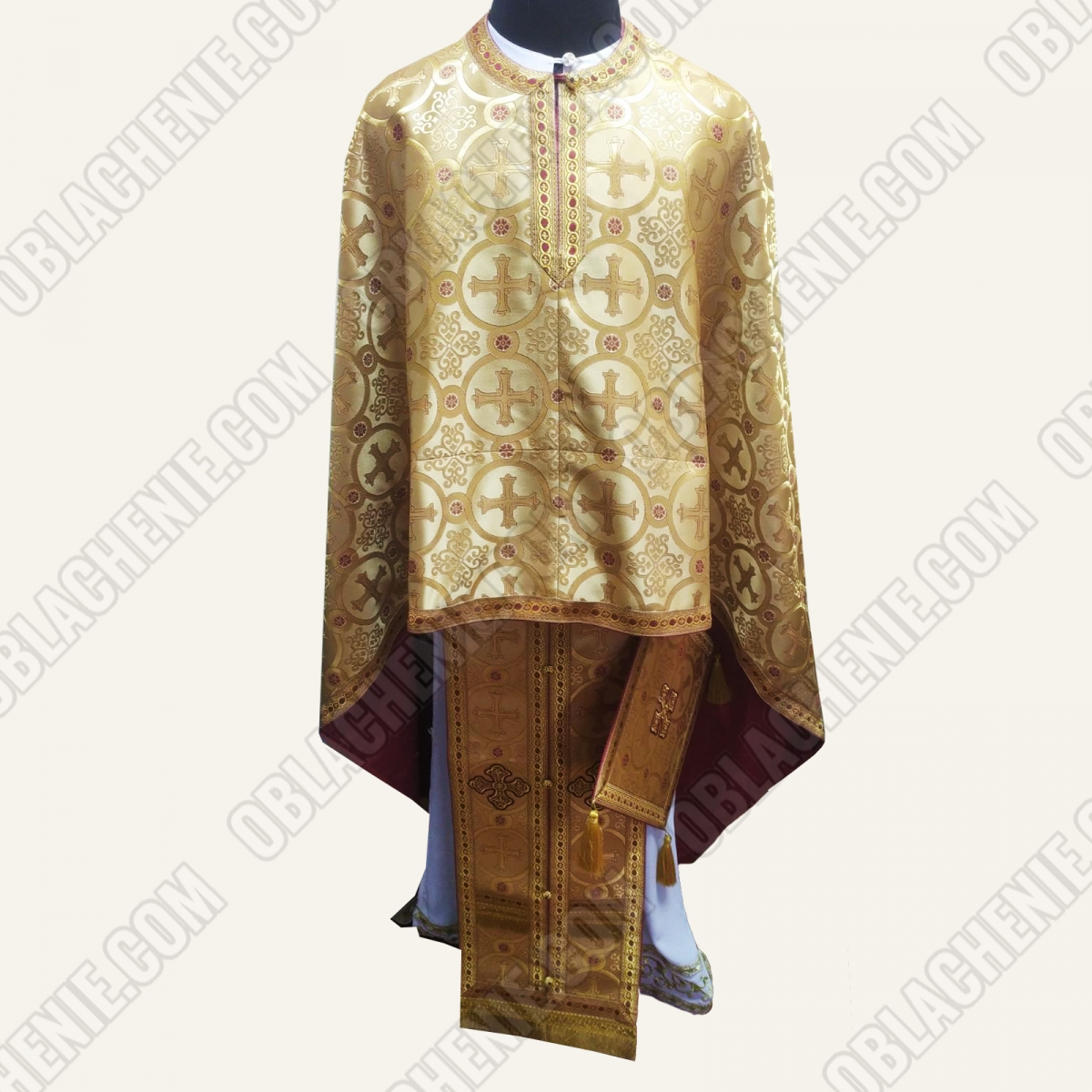 PRIEST'S VESTMENTS 11257