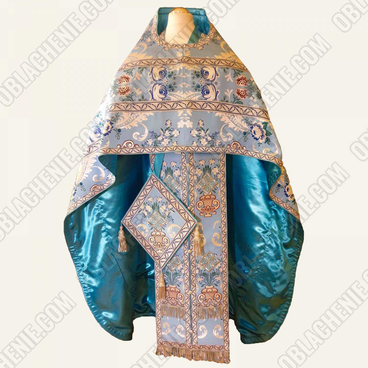 PRIEST'S VESTMENTS 11260