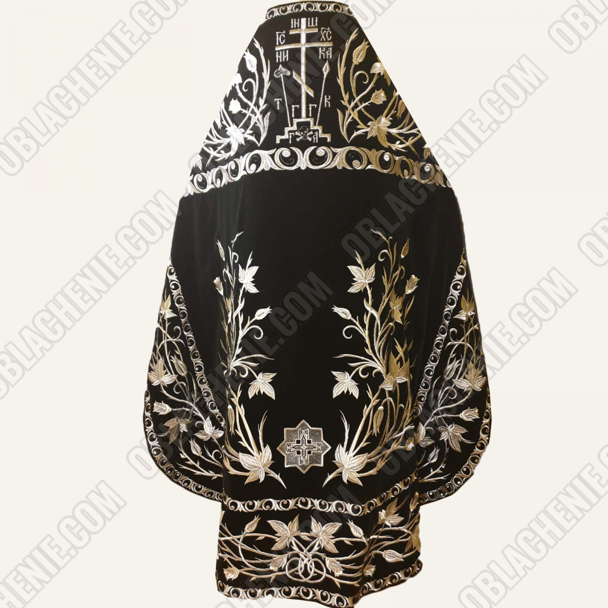 EMBROIDERED PRIEST'S VESTMENTS 11312
