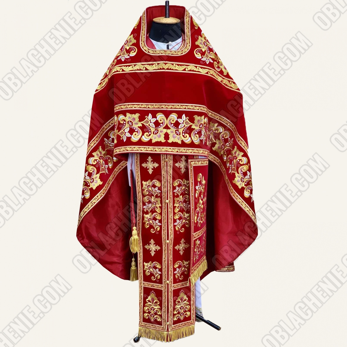 EMBROIDERED PRIEST'S VESTMENTS 11314