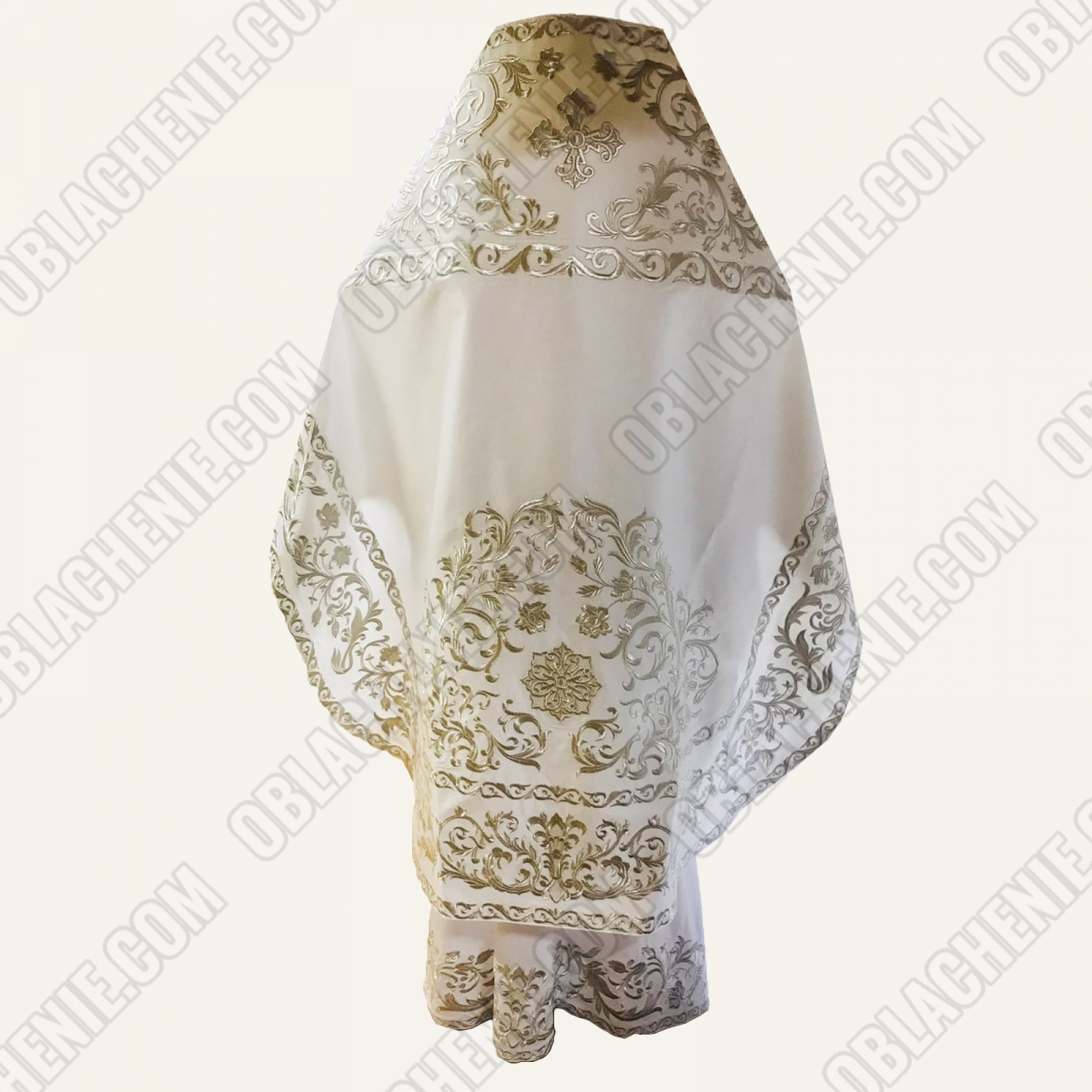 EMBROIDERED PRIEST'S VESTMENTS 11316