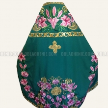 Embroidered priest's vestments 10182 1