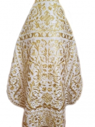 Embroidered priest's vestments 10197 1