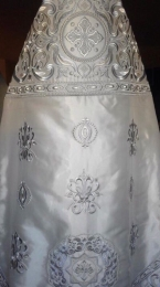 Embroidered priest's vestments 10198 2