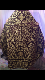 Embroidered priest's vestments 10199