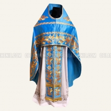 Embroidered priest's vestments 10204 2