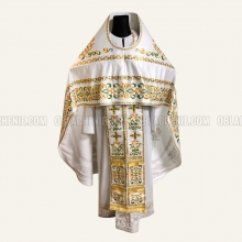Embroidered priest's vestments 10205 2