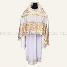 Embroidered priest's vestments 10208 2