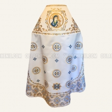 Embroidered priest's vestments 10209 2