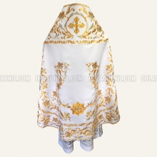 Embroidered priest's vestments 10211 2