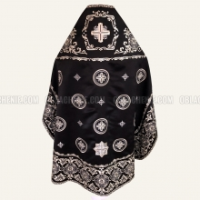 Embroidered priest's vestments 10212 2