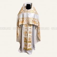 Embroidered priest's vestments 10214 2