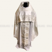 Embroidered priest's vestments 10216
